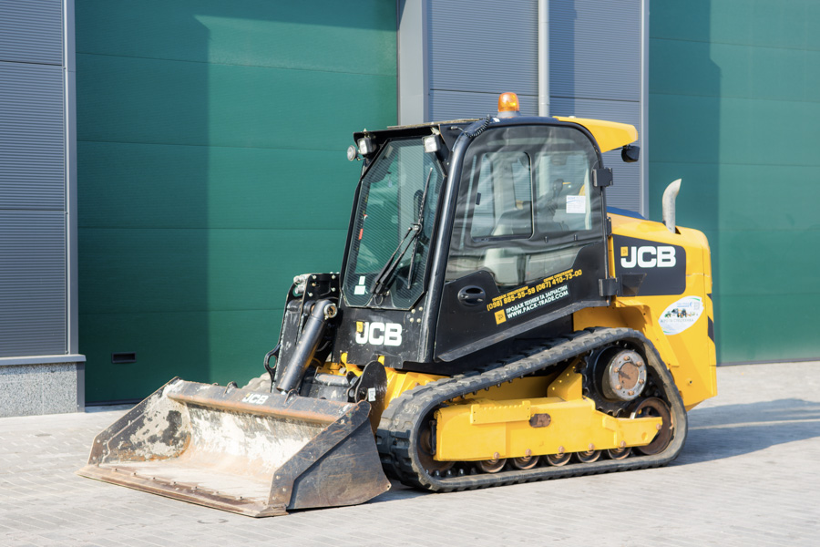 Мини-погрузчик JCB 225 T High Flow 2015 г. инв. 1693 - фото 1